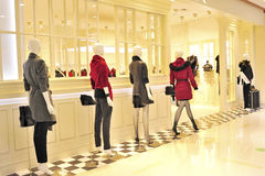 ubraniowego stopień wysoki sklep Zdjęcie Stock