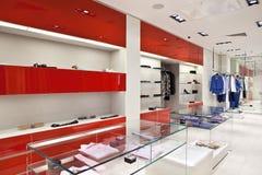 ubraniowy wewnętrzny sklep Fotografia Royalty Free
