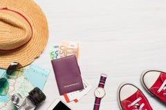 Ubraniowych akcesoriów odzież i podróż along dla mężczyzna Obrazy Royalty Free