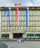 UBS που στηρίζεται στην οδό Talacker στην πόλη της Ζυρίχης, Switzerla Στοκ φωτογραφία με δικαίωμα ελεύθερης χρήσης