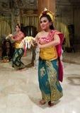 UBUD,巴厘岛,印度尼西亚- 2017年5月11日:巴厘语舞蹈家执行Ramayana 库存照片