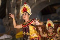 UBUD, ΜΠΑΛΊ, ΙΝΔΟΝΗΣΊΑΣ - 07 Απριλίου: Παραδοσιακός από το Μπαλί χορός Στοκ Εικόνες