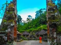 Ubud, Indonesië - April 17, 2012: De Tempel en Candi van Gunungkawi in wildernis in Bali Royalty-vrije Stock Afbeelding