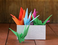Uccelli di carta variopinti di origami giapponesi Fotografia Stock