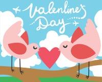 Uccelli di giorno di biglietti di S. Valentino con un cuore Fotografia Stock