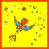 Uccello variopinto volante con i fiori Fotografia Stock Libera da Diritti