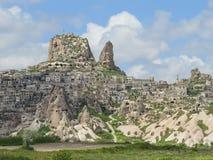 Uchisar är en liten pittoresk by i Cappadocia, inte långt från Goreme kalkon royaltyfria bilder