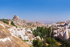 Uchisar Cappadocia的土耳其洞城市 库存照片