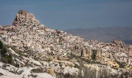 Uchisar - en grottastad Arkivfoto