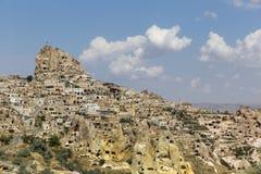 Uchisar Schloss in Cappadocia lizenzfreie stockfotos