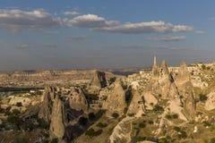 Uchisarkasteel in Cappadocia bij zonsondergang stock afbeelding
