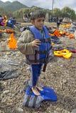 Uchodźców wędrownicy, przyjeżdżający na Lesvos obraz royalty free