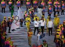 Uchodźcy Olimpijski Drużynowy spacer W Rio 2016 olimpiad ceremonię otwarcia Gdy Maszerują Pod Olimpijską flaga Fotografia Stock