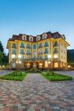 Ucrânia, Carpathians, Pylypets - 5 de maio: Hotel grande Pylypets o 5 de maio de 2013 em Pylypets, Carpathians, Ucrânia Foto de Stock Royalty Free