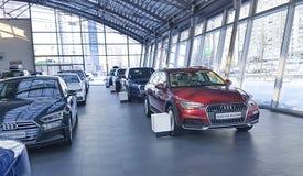 Ucrânia Kiev carros novos do 25 de fevereiro de 2018 em Audi Motor Show Fotografia de Stock Royalty Free