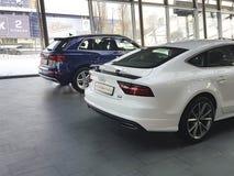 Ucrânia Kiev da apresentação à moda do tipo do conceito do modelo do 25 de fevereiro de 2018 carros novos em Audi Motor Show Imagens de Stock