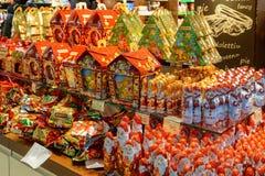 Ucrânia, Lviv - dezembro, 15, 2016: Confeitos da loja da empresa Imagens de Stock Royalty Free