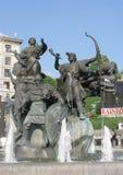 ucrania Fuente conmemorativa a los fundadores de Kiev foto de archivo