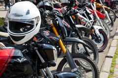 ucrania Khmelnitsky 20 de abril de 2019 Motocicletas en la abertura de la primavera de la estaci?n de la motocicleta imagen de archivo