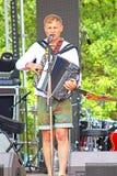 Ucranino Cantante Oleg Skripka alla manifestazione di Kraina Mriy 2015 di festival di musica del mondo in Kyiv, Ucraina Fotografie Stock