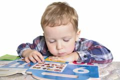 uczenie się liczby chłopcze zdjęcia stock