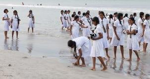 uczennica plażowy bawić się mundur obraz stock