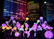 Uczestnicy cieszy się koligaci światło przy Żywym Sydney Zdjęcie Royalty Free
