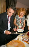 Uczestnicy i goście biznesowa wystawa wytwórcy i dostawcy włoscy wina vinitaly i jedzenie Obrazy Royalty Free
