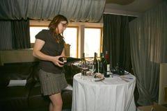 Uczestnicy i goście biznesowa wystawa wytwórcy i dostawcy włoscy wina vinitaly i jedzenie Zdjęcie Stock
