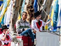 Uczestnik roczny karnawał Adloyada przejażdżki fury i grParticipant roczny karnawał Adloyada przejażdżki gree i fury Obrazy Stock