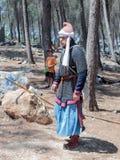 Uczestnik w odbudowie rogi Hattin bitwa w 1187 iść przez obozu przed kampanią blisko Tiberias, Israe Zdjęcia Royalty Free