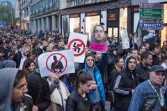 Ucznie wziąć ulicy protest przeciw Serbskiemu rzędowi Zdjęcie Stock