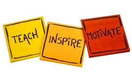 Uczy, inspiruje, motywuje, pojęcie zdjęcie stock