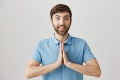 Uczy ja sensei Salowy strzał pozytywny nikły europejski uczeń z brody mienia rękami wewnątrz ono modli się w buddyjskim lub Obraz Royalty Free