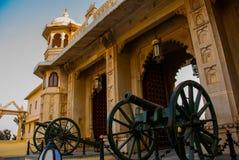 Udaipur miasta pałac broń indu udaipur Zdjęcia Royalty Free