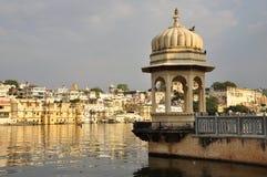 Udaipur, Rajasthan, Índia Ideia da margem velha da cidade imagem de stock royalty free