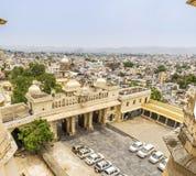 Udaipur stadssikt från stadsslotten, Udaipur arkivbild