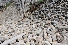 Udde Stolbchaty Udde på västkusten av ön av Kunashi arkivfoton