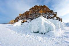 UddeBurkhan medicinman Rock på den Olkhon ön på Baikal sjön arkivbilder