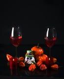 Uddekrusbär i en glass vas, stearinljushållare i form av a Royaltyfria Bilder
