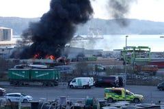 Uddevalla, Suecia, el 15 de abril de 2019: Fuego en el puerto de Uddevallas imagen de archivo libre de regalías