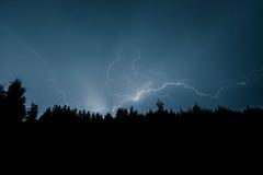 Uderzenie pioruna na niebie Zdjęcia Stock