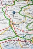 Udine fijó en un mapa de Italia Fotos de archivo