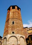 Udine Italien: Campanileat 14th århundradeDuomo Arkivfoto
