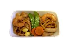 Udon fritado agitação com alimento de mar Fotografia de Stock