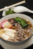 Udon Nudeln mit Rindfleisch Stockfotos