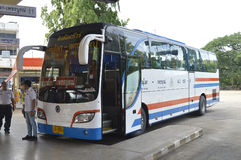 Udon Thani aan de auto van de de reisbus van Bangkok Royalty-vrije Stock Fotografie