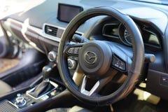 UDONTHANI, TAILÂNDIA - 23 DE JANEIRO DE 2018: Vista interior do carro ste Fotos de Stock