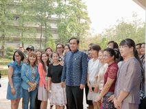 UDONTHANI TAILÂNDIA 18 de março de 2016: 29o Gen Prayut Chan-Ocha, primeiro ministro do curso de Tailândia à região do nordeste a fotografia de stock royalty free