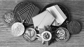 UDSSR-Abzeichen und Ordnungen Preis für Tapferkeit Das Gedächtnis des Sieges Stockbild